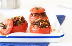 Gevulde tomaat met couscous, spinazie en gehakt