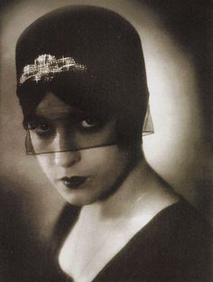 Flapper Photograph - origin of image unknown, repinned from Alexandra Dell, as inspiration.