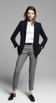 Business casual outfits for women, minimalistic business casual capsule. Office fashion, Womens office clothes and office fashion trends. Casual Work Outfits, Business Casual Outfits, Professional Outfits, Office Outfits, Work Casual, Fall Outfits, Fashionable Outfits, Stylish Outfits, Androgynous Fashion