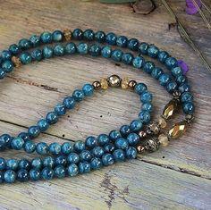 Collar de apatita hermosas piedras preciosas por look4treasures