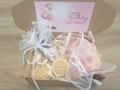 Birthday Spa Gift Soap For Oily Skin, Soap For Sensitive Skin, Handmade Cosmetics, Handmade Soaps, Coconut Oil Soap, Anniversary Favors, Beauty Care Routine, Vegan Gifts, Birthday Gifts For Girlfriend