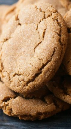 Soft & Chewy Gingersnap Cookies | gingerbread recipes, desserts