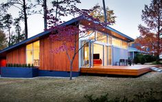 A Raleigh, N.C., family traded their 3,200-square-foot place for a 1,200-square-foot modern ranch house.