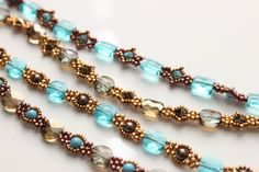 Mingles bracelet.  Use up all those left-over beads. Free project!