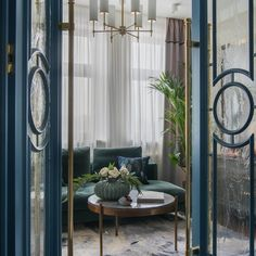 What an entrance 💙 Loving this design by Alena Vlasovoj picture via ELLE Decoration Russia Photo by Ольга Мелекесцева . Patio Interior, Interior Design Living Room, Interior Decorating, Interior Door, Door Design, House Design, Flat Picture, Foto Baby, H & M Home