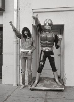 Herói Joey Ramone & Kamen Rider I - não tem como isso dar errado! Tremei, vilões! GABBA GABBA RIDER!