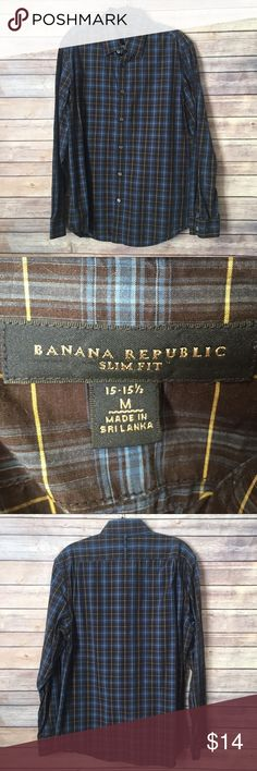 """Banana Republic Mens Button Down Long Sleeve Shirt Banana Republic Button Down Long Sleeved Shirt / sz M 15-15.5 EUC. Material: 100% cotton. Machine wash.  Husband's size stats:  5'10"""", M, 31x32, 15 32-33 neck.   ⭐️ Bundle & Save, No Trades ⭐️ Posh Compliant, Posh Rules Only ⭐️ All Offers Accepted or Countered ⭐️ Smoke & Pet Free Environment Banana Republic Shirts Casual Button Down Shirts"""