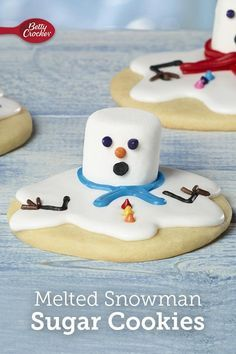 Melted Snowman Sugar Cookies Better hurry up and eat them! These sugar cookies are melting away! Transform your favorite sugar cookies into melting snowmen in just a few minutes. The post Melted Snowman Sugar Cookies appeared first on Belle Ouellette. Cookie Recipes For Kids, Easy Christmas Cookie Recipes, Christmas Snacks, Christmas Cooking, Holiday Desserts, Christmas Candy, Holiday Baking, Simple Christmas, Cookie Ideas