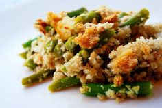 healthy green bean casserole. green beans, olive oil, garlic, onion, sharp cheddar, greek yogurt, salt and pepper, cayenne.
