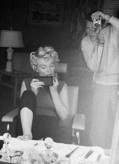 Marilyn with photographer Milton Greene, 1954.