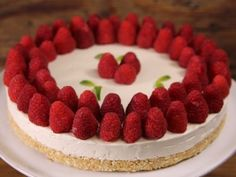 Receta de Cheesecake sin Hornear Fancy Desserts, Sweet Desserts, Quiches, Yummy Drinks, Yummy Food, Cake Recipes, Dessert Recipes, Cakes And More, Amazing Cakes