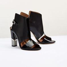 BLACK OPTICA #altiebassi #springsummer16 #sophisticated #italianshoes #woman #decolletè