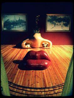 Dali : Mae West (Salvador Dalí museum Figueras, Spain)