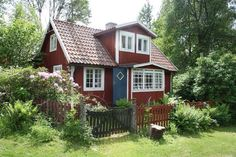 Dreaming of a Home to Call Our Own - Swedish real estate, now sold. Swedish Cottage, Cute Cottage, Red Cottage, Swedish House, Cottage Homes, Cottage Style, Red Houses, Little Houses, Small Tiny House