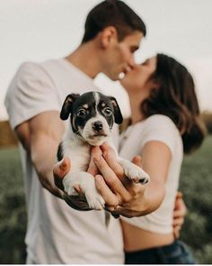 Here are five positive stereotypes about dog people that almost always totally true. Here are five positive stereotypes about dog people that almost always totally true. New Puppy, Puppy Love, Puppy Pics, Cute Puppies, Cute Dogs, Puppies Puppies, Dog Photos, Couple Photos, Family Photos
