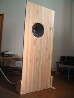 The dimensions are x Speakers are vintage Graetz circa 1952 with Alnico 97 db sensitivity! Very natural sound and an impressive record for the dimensions of the plates. I love simple. Open Baffle Speakers, Wooden Speakers, Diy Speakers, Speaker Box Design, Hi End, Loudspeaker, Audiophile, Inspire, Plates