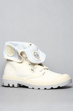 The Baggy Lite Sneaker in Ecru by Palladium