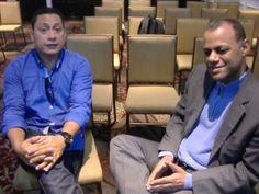Alex Torres-charlando con Juan guerrero en el Arca de la Salvación-ciuda...