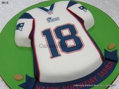Join the superbowl set http://www.cakescrazy.co.uk/details/nfl-new-england-patriots-american-football-shirt-9619.html