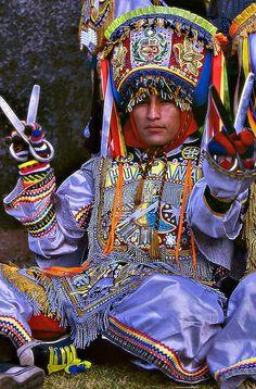 Inti Raymi Festival -Bailarin de tijeras.- Cusco, Peru