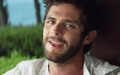 Migraine Mom's Freedom: Thomas Rhett and I have so much in common!!!