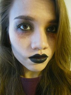 Looking for for ideas for your Halloween make-up? Browse around this website for creepy Halloween makeup looks. Pretty Zombie Makeup, Kids Zombie Makeup, Halloween Zombie Makeup, Costume Halloween, Zombie Makeup Tutorials, Ghost Makeup, Make Up Tutorials, Zombie Prom, Scary Makeup