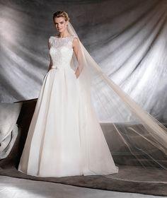 OVEGA - Princess wedding dress with classic inspiration