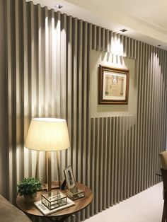 • Projeto: Felipe de Andrade Alberto • Produtos Stella: Square Angle MR11 25° (STH8960BR/PTO), Square MR11 (STH8910BR/PTO) e Mini Dicroica EVO 4W | 230 lumens (STH7530/27). Ceiling Lights, Curtains, Lighting, Home Decor, Point Light, Ceiling, Decorating Tips, Colors, Proposal
