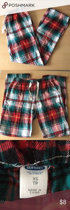 NWOT Plaid Pajama Pants Lightweight pj pants with drawstring waistband from Old Navy. Comfy & cute plaid pattern, never worn. Accepting most offers! Old Navy Intimates & Sleepwear Pajamas