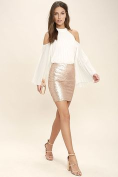 The Love Me Now Gold Sequin Mini Skirt is the perfect amount of sparkle! Shimmering sequins shape this chic mini skirt, with a high waistline, and leg-baring length. Exposed metallic back zipper. Rose Gold Sequin Skirt, Gold Mini Skirt, Sparkle Skirt, Sequin Mini Skirts, Sparkly Outfits, Classy Outfits, Chic Outfits, Bachelorette Outfits, Gold Skirt Outfit