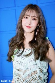 Gfriend And Bts, Sinb Gfriend, Kpop Girl Groups, Korean Girl Groups, Kpop Girls, Extended Play, Gfriend Album, Cloud Dancer, Fan Picture