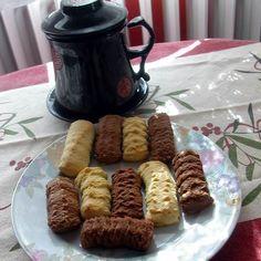 Egy finom Egyszerű darálós keksz ebédre vagy vacsorára? Egyszerű darálós keksz Receptek a Mindmegette.hu Recept gyűjteményében! Fudge, French Toast, Beef, Dishes, Retro, Breakfast, Food, Polish, Drinks