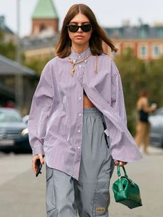 10 Spring Fashion Trends That Elevate Your Style Copenhagen Style, Copenhagen Fashion Week, Teen Fashion Outfits, Girl Fashion, Khakis Outfit, Street Style Trends, Spring Fashion Trends, Wide Leg Jeans, Fashion Advice