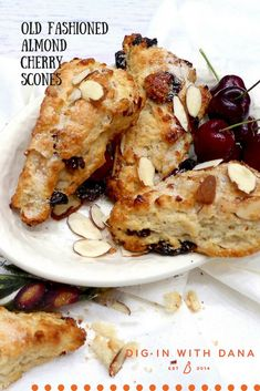 Old Fashioned Almond Cherry Scones * Dig In With Dana. 1 scone is 4 Points Plus. This makes 12 scones total. Breakfast Recipes, Dessert Recipes, Scone Recipes, Desserts, Bread Recipes, Breakfast Scones, Breakfast Ideas, Cherry Scones, Fruit Scones