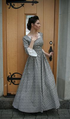 Vintage Dresses Our Eliza Victorian Dress is light and airy and a great addition to your Victorian closet! Old Fashion Dresses, Old Dresses, Modest Dresses, Modest Outfits, Modest Fashion, Pretty Dresses, Vintage Dresses, Vintage Outfits, Victorian Dresses