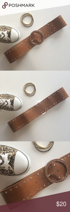 "NWOT Mango belt Approximately 30"" inches long, 2,4"" wide, 5 holes, never worn. There is a crack on the buckle that I just noticed and that is captured in the last pic. It's not really visible, but needed to be mentioned. Mango Accessories Belts"