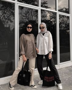 Inspiration from happy saturday everyone! Modern Hijab Fashion, Street Hijab Fashion, Hijab Fashion Inspiration, Muslim Fashion, Casual Hijab Outfit, Casual Outfits, Fashion Outfits, Classy Outfits, Women's Fashion