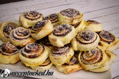 Baking And Pastry, Doughnut, Macarons, Cheesecake, Muffin, Breakfast Recipes, Food And Drink, Sweets, Restaurant
