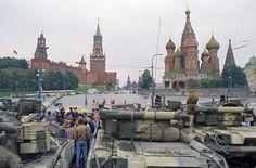Танки на Красной площади, 19 августа 1991 года © Александр Чумичев /Фотохроника ТАСС