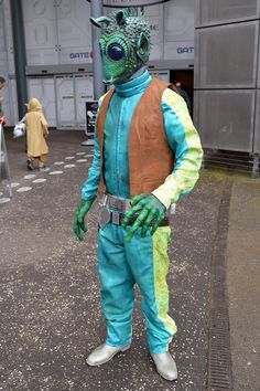Star Wars Cosplay - Greedo: Who shot first?