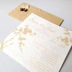 Convite artesanal ecológico para casamento da Sara e do João.  Handmade recycled invitation for Sara and João's wedding.  #beapaper #weddinginvitation #convitecasamento