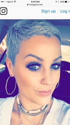 Tips for Styling Short Hair Short Grey Hair, Very Short Hair, Short Hair Cuts, Short Hair Styles, Short Pixie Haircuts, Cute Hairstyles For Short Hair, Pixie Hairstyles, Gray Hairstyles, Super Short Pixie