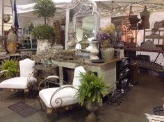 Gorgeous vintage stand
