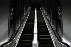 black automatic stairs - Buscar con Google