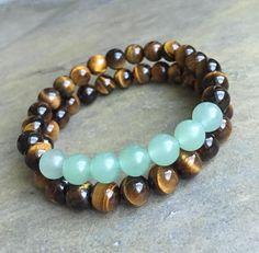 Lot de 2 « La prospérité et l'abondance Bracelets » Les deux pierres que j'ai utilisé dans ce bracelet sont connus pour apporter la prospérité, la richesse, l'abondance, bonne chance et succès dans nos vies. Il est fait avec la qualité naturelle vert Aventurine et oeil de tigre jaune