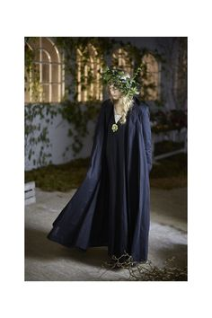 Beautifully hand crafted in London, Cabbages & Roses coats are designed to suit every occasion and last for years to come. British Style, British Fashion, Granny Chic, Cabbage Roses, Love Her Style, Cabbages, Wearable Art, Plus Size, Coat