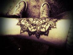 Mandala Tattoo Gallery Part 4 New Tattoos, Hand Tattoos, Tattoos Gallery, Mandala Tattoo, Deathly Hallows Tattoo, Hand Henna, Picture Tattoos, Triangle, Style