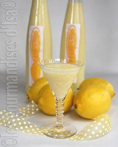 Si vous avez aimé le limoncello , vous allez adorer cette crème de citron.  Douce et onctueuse, la texture est crémeuse et ressemble à la cr...