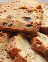Naturally sweet fruit loaves (plus this site has lots of sugarless recipes) Diabetic Banana Bread, Low Fat Banana Bread, Banana Bread Recipes, Sugar Free Deserts, Sugar Free Recipes, Baking Recipes, Dessert Recipes, Easy Sponge Cake Recipe, Sponge Cake Recipes