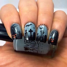 Top 17 New Halloween Nail Designs – Easy Famous Home Manicure Fashion Trend - Easy Idea Nail Art Halloween, Holiday Nail Art, Halloween Nail Designs, Halloween Christmas, Christmas 2015, Christmas Tree, Halloween Graveyard, Halloween Fashion, Christmas Nails